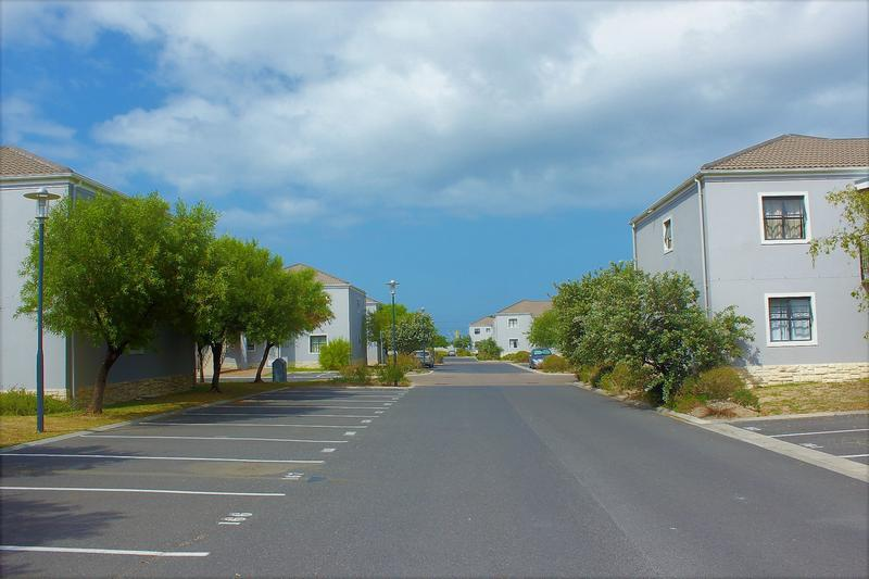 Apartment / Flat For Sale in Somerset West Central, Somerset West